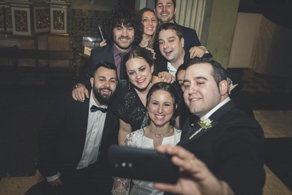 selfie en iglesia de boda
