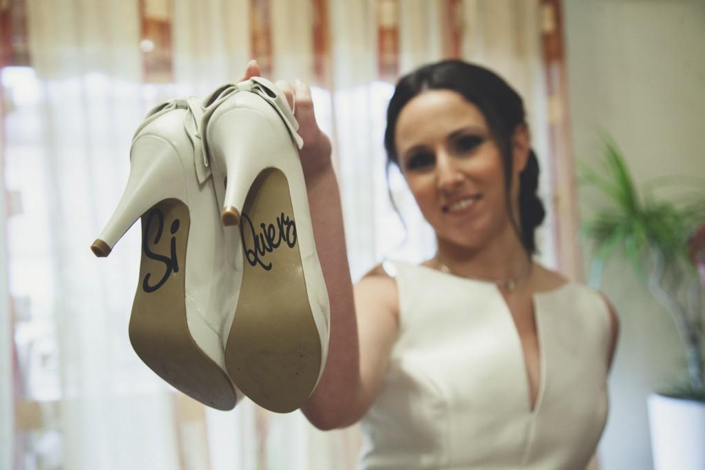 novia con zapatos si quiero boda diferente