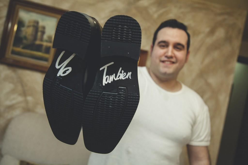 novio con zapatos yo tambien