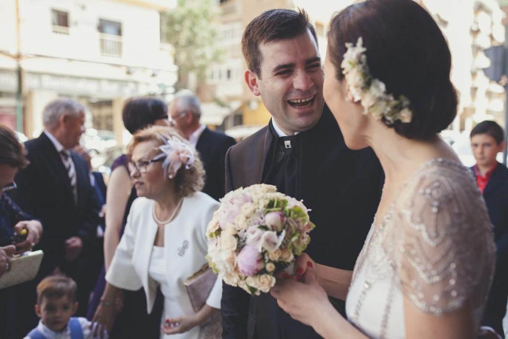 first look novio viendo a la novia, boda diferente