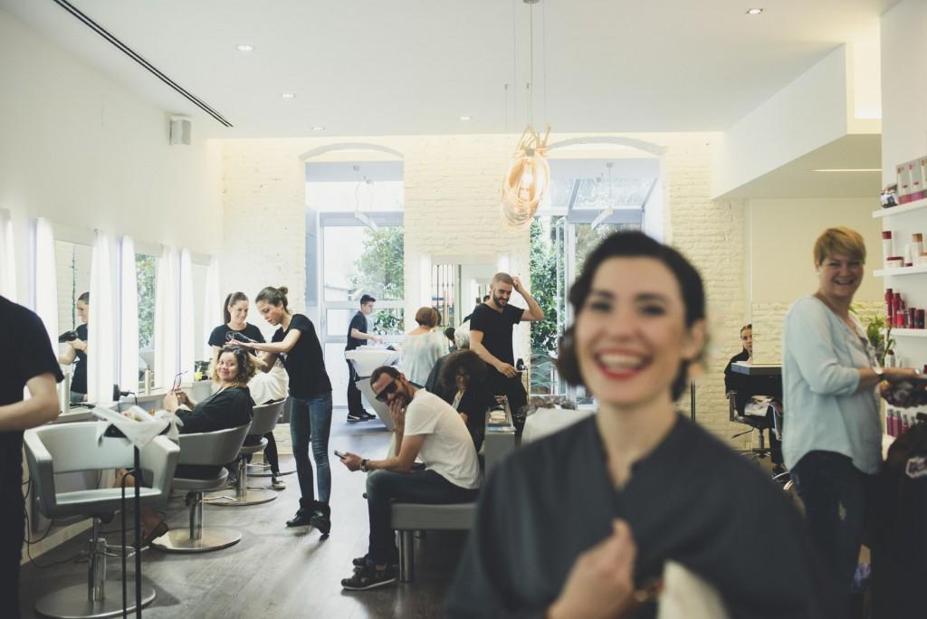 novia en peluqueria