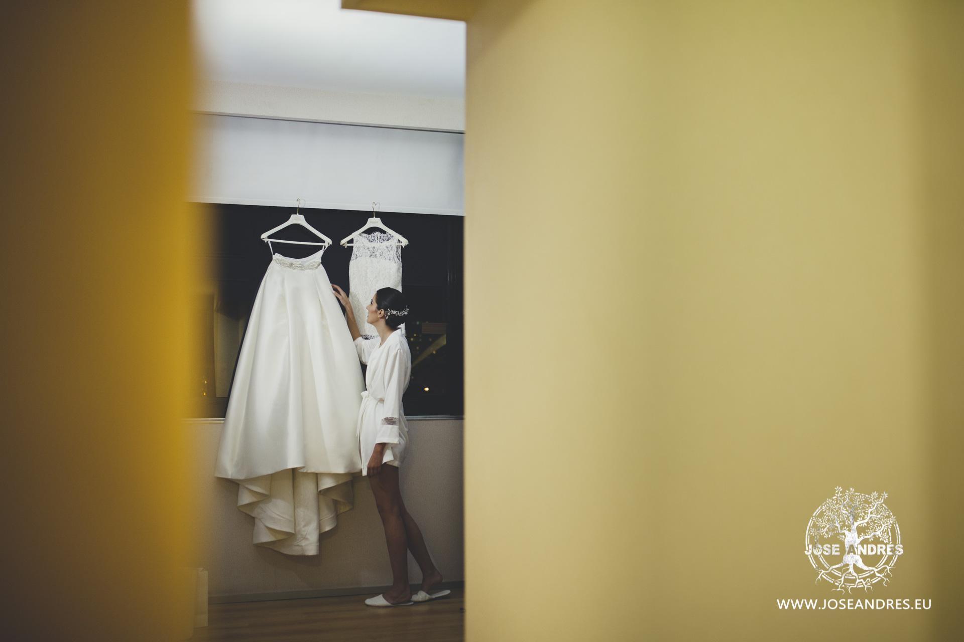 Novia con su vestido de Pronovias en el hotel Barcelo de Valencia