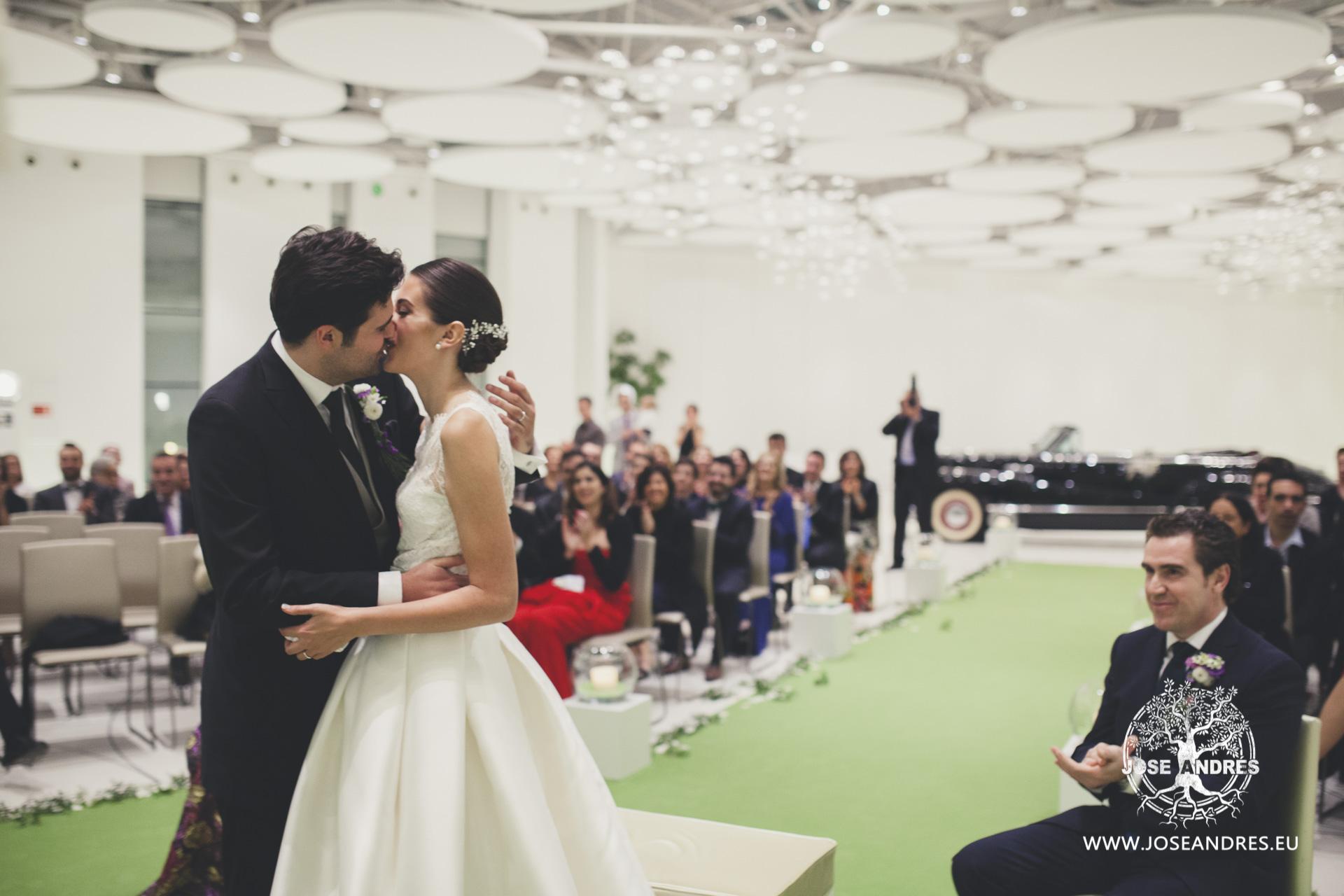 Boda en Myrtus Valencia coche de epoca para boda