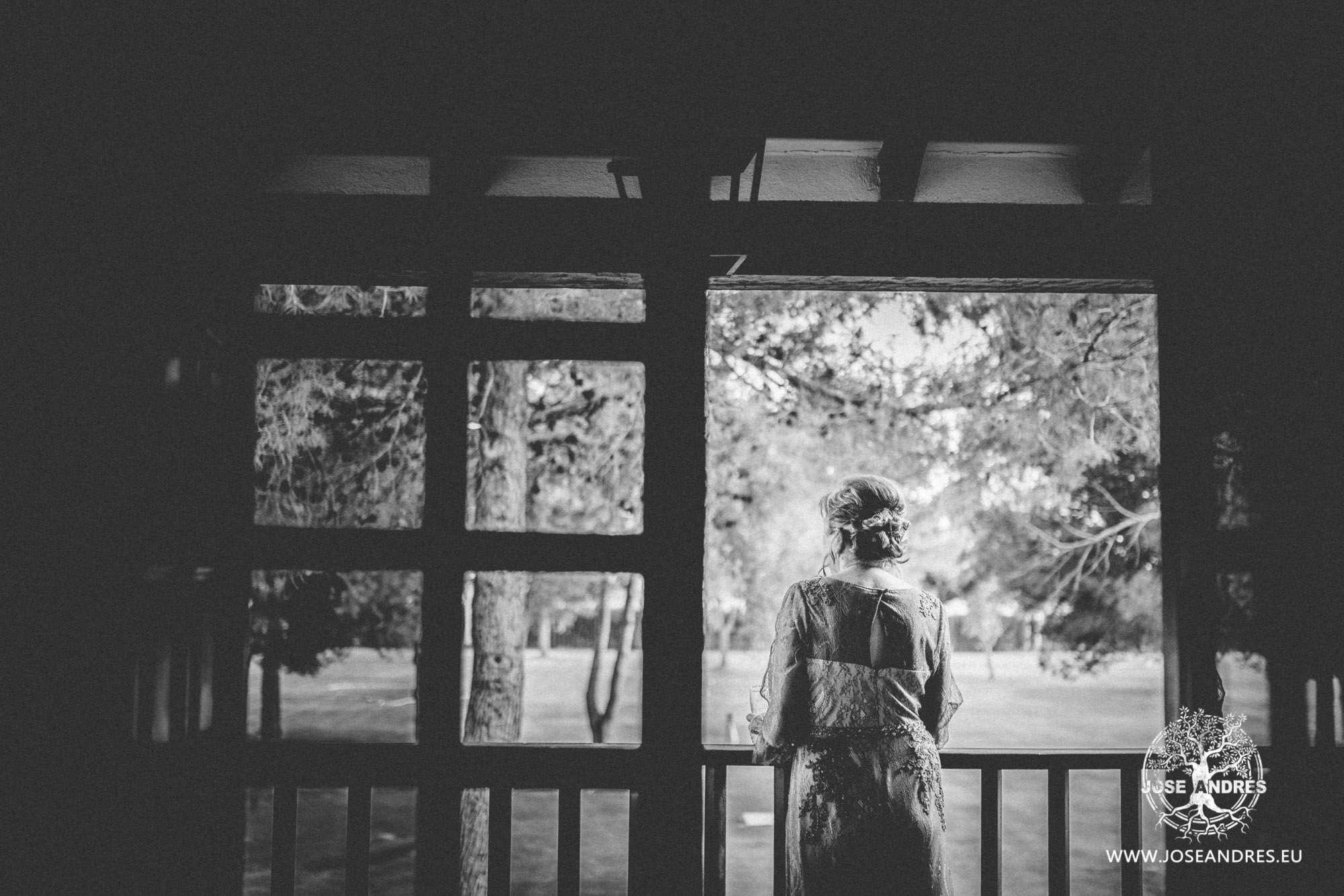 Boda en el parador de Albacete, boda sin posados, Jose Andrés fotografía y cine documental de bodas.