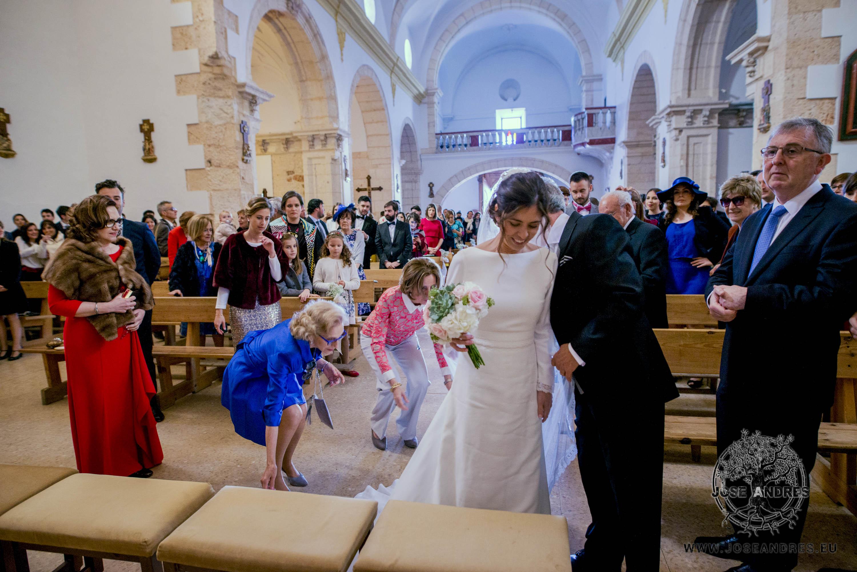 Boda divertida, boda en Villarrobledo, jardín de las Adelfas, boda original, boda espontanea, boda natural, fotografía de boda natural, fotografía de boda divertida, fotografía de boda espontanea, fotografía de boda original, fotografía y cine documental de boda